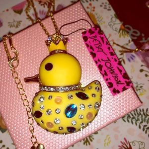 Betsey Johnson Duck Necklace Yellow New
